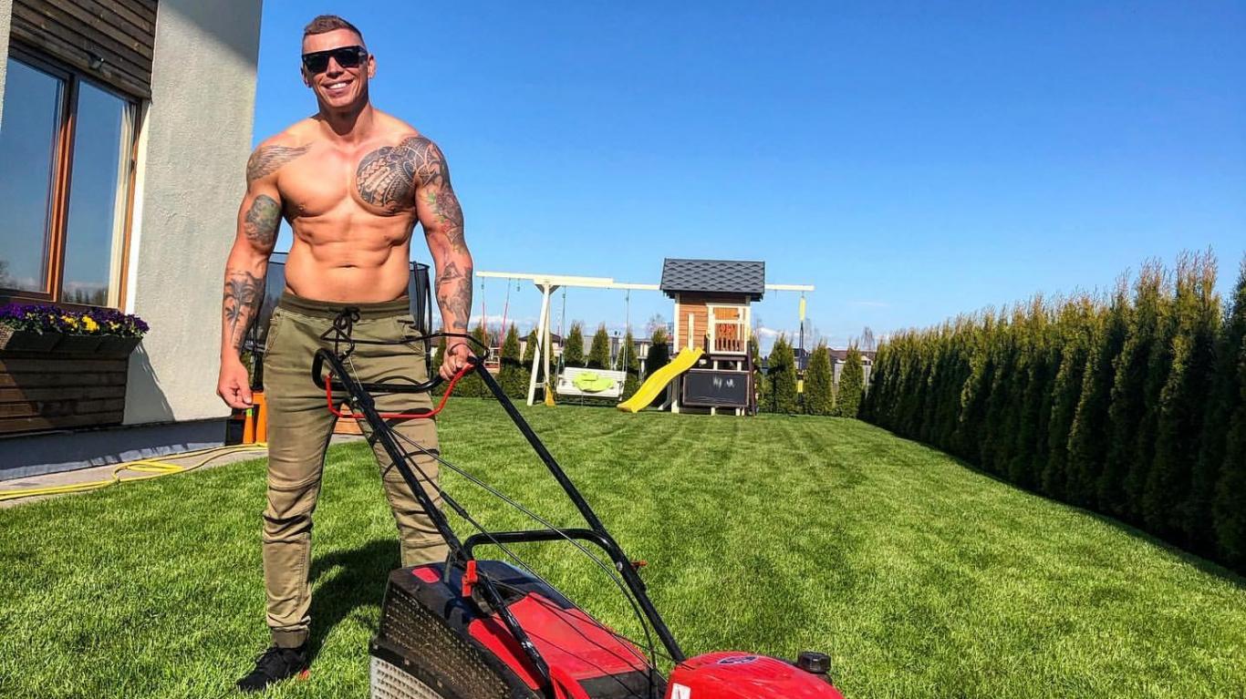 Erotisks pārsteigums pagalmā — <strong>latviešu čipendeils kļuvis par dārznieku</strong>