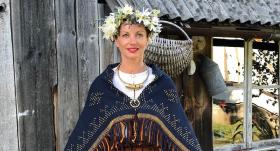 <em>Latvijas Modes</em> palātas vadītāja <strong>Dita Danosa kļuvusi par dzintara mednieci</strong>