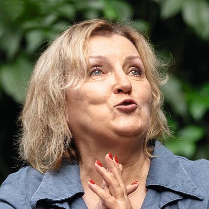 Zāļu sieva Sandra Iubule: <strong>Arī raganas slimo</strong>