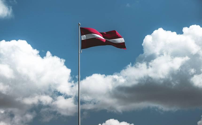 <strong>Būtiski palielina sodu</strong> par karoga nepareizu izgatavošanu un izplatīšanu