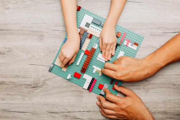 <strong>Bērniem patīk LEGO</strong> jeb labā spēlēšanās