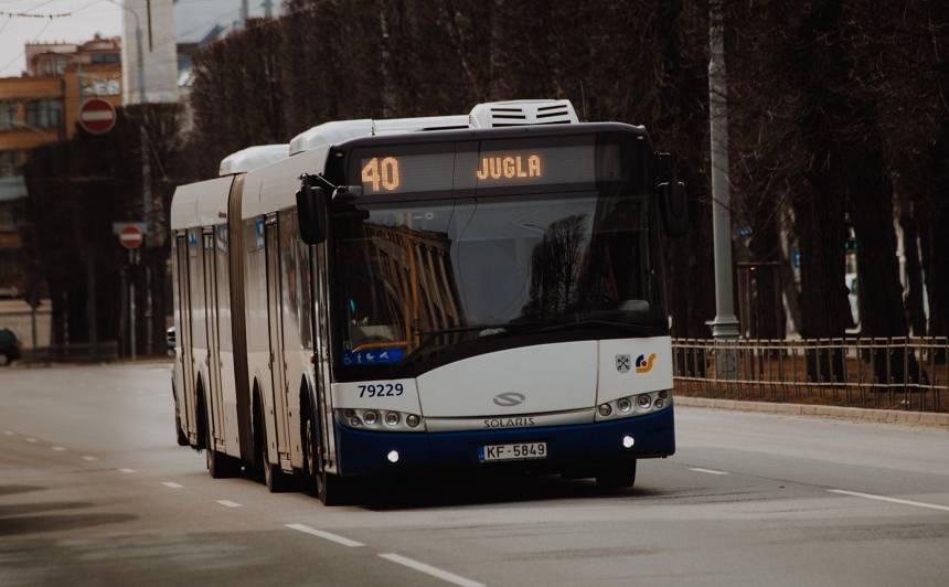 <em>Rīgas satiksme</em> <strong>izsolīs 38 transportlīdzekļus</strong>