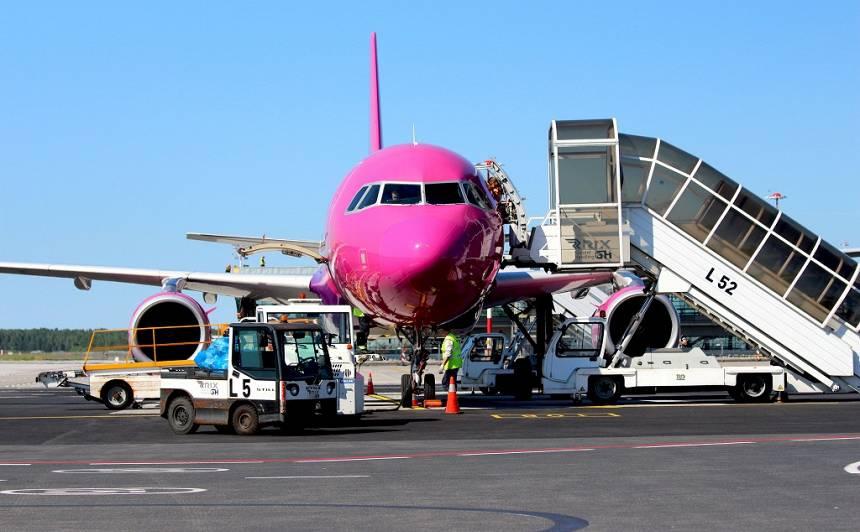 <strong>Arī <em>Wizz Air</em> atsāk lidojumus</strong> no lidostas <em>Rīga</em>