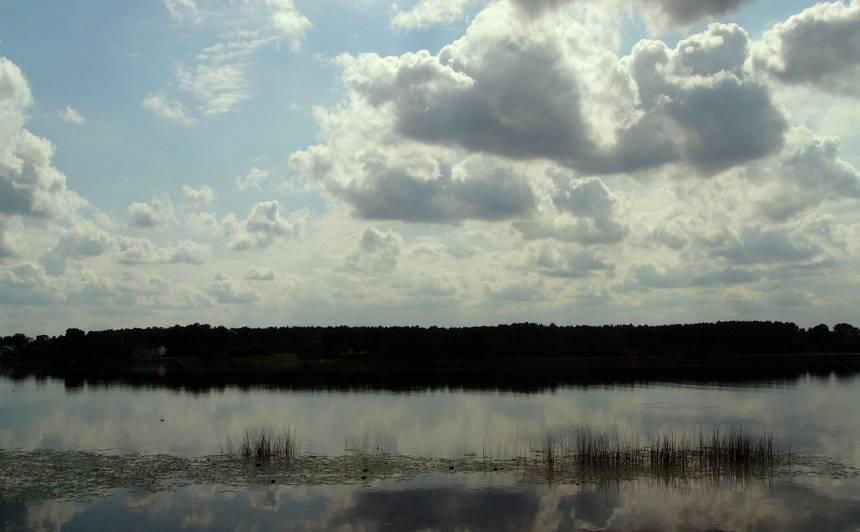 <strong>Piesārņojuma dēļ aizliegts peldēties</strong> Daugavas peldvietā <em>Rumbula</em>