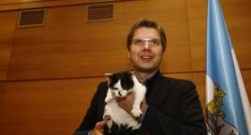 <strong>Ušakovs uz Rīgas domes kaķa bērēm netiek;</strong> Muris apglabāts blakus Nila mammas sunim