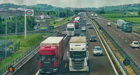 Līdz 2040. gadam Latvijā galvenos autoceļus plāno <strong>pārbūvēt par četrjoslu ātrgaitas ceļiem</strong>