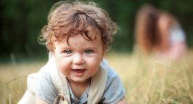 Jautā pediatram: <strong>Kāpēc bērns tik ļoti svīst?</strong>