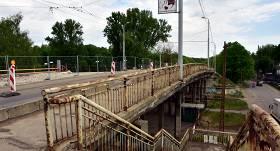 Drošības apsvērumu dēļ uz nenoteiktu laiku sabiedriskā transporta kustībai <strong>slēdz Brasas tiltu</strong>