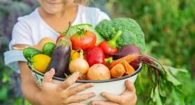 Astoņi padomi <strong>bērnu uzturam vasarā</strong>