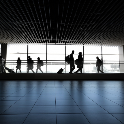 Lietuvā inficēšanās ar <em>Covid-19</em> atklāta <strong>18 šoferiem no Uzbekistānas, kas ieradušies caur Rīgas lidostu</strong>