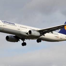 <em>Lufthansa</em> un <em>Finnair</em> <strong>atsāk lidojumus no Rīgas</strong>