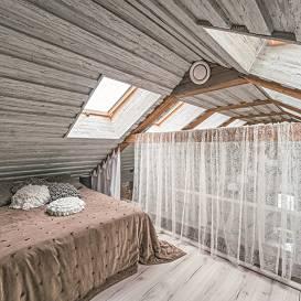 FOTO: Māja pie ezera — <strong>Raiskuma Toskāna</strong>