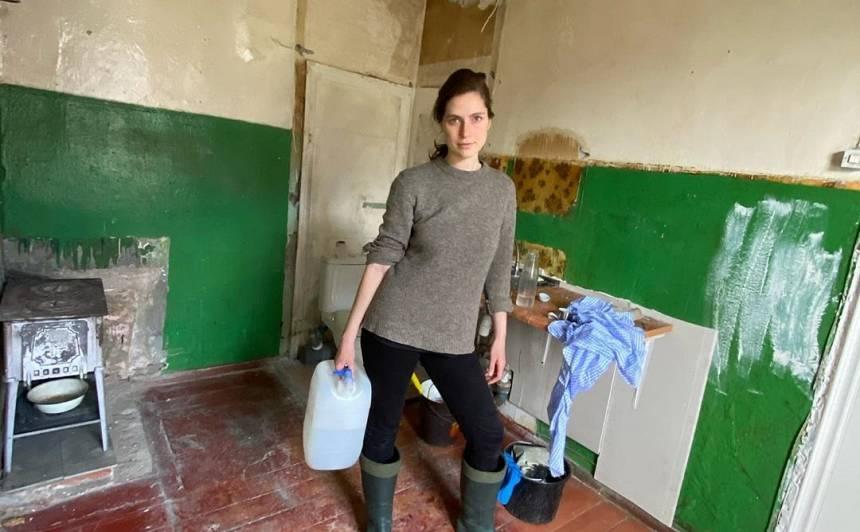 Modele Māra Sleja tikusi pie <strong>mazītiņa dzīvoklīša Liepājā</strong>