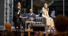 <strong>Krīzes laikā uz teātri par 120 eiro</strong> — tagad māksla tikai bagātajiem?