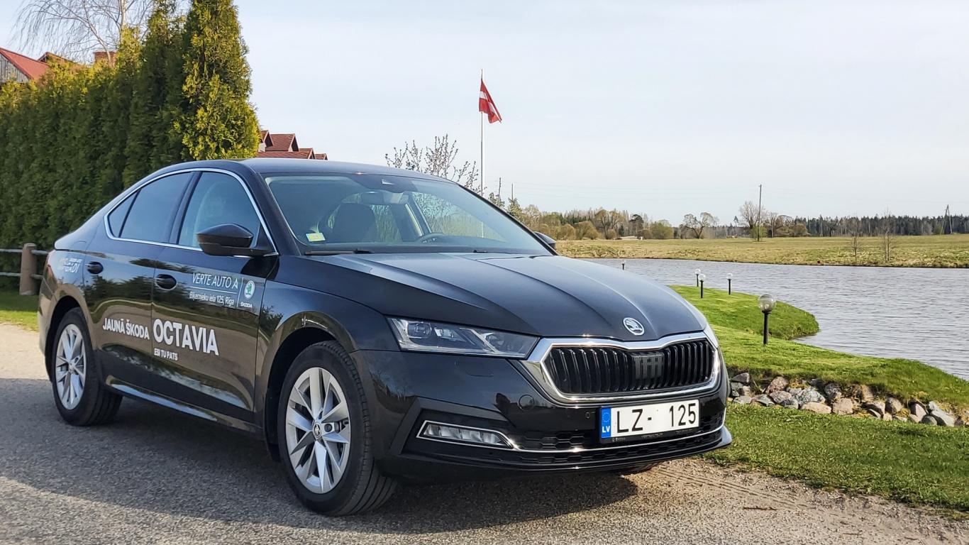 <strong><em>Škoda Octavia</em></strong> pirmais testa brauciens