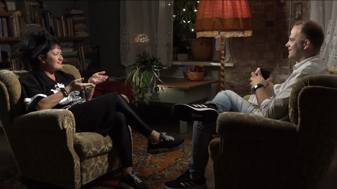 Elita Patmalniece par Dāvja Valdnieka vadīto <em>Interviju tumsā</em>: <strong>Tie bija stulbi jautājumi!</strong>
