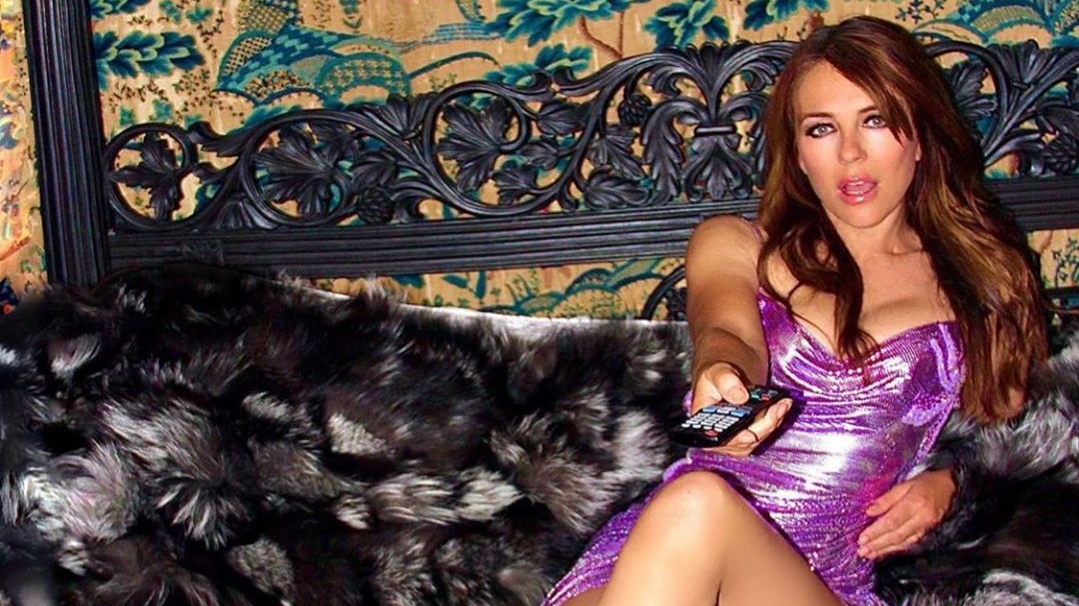 Aktrise Elizabete Hērlija revidē skapi un <strong>atrod 21 gadu senu kleitu </strong>
