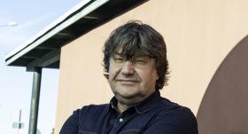 Komponists Jānis Lūsēns <strong>pārdod māju un nopērk skolu</strong>