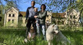 FOTO: Politiķe Inese Andersone <strong>par 120 000 eiro nopirkusi muižu</strong>