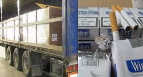 Vannas istabas flīžu vietā <strong>autotransporta kravā atklāj 4,74 miljonus cigarešu</strong>
