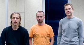 Skype dibinātāji - Ahti Heinla, Toivo Annuss (vidū) un Prīts Kasesalu.