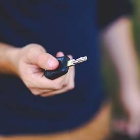 Mālpilī jaunieši nozog automašīnu un to <strong>pārdod par 150 eiro</strong>