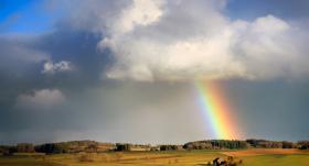 Sestdien gaidāms neliels lietus un <strong>gaisa temperatūra iesils līdz plus 25 grādiem</strong>