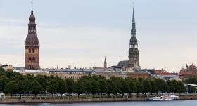 Izsludina vēl vairākas <strong>publiskas vietas Liepājā un Rīgā, kur bijis risks inficēties ar <em>Covid-19</em></strong>