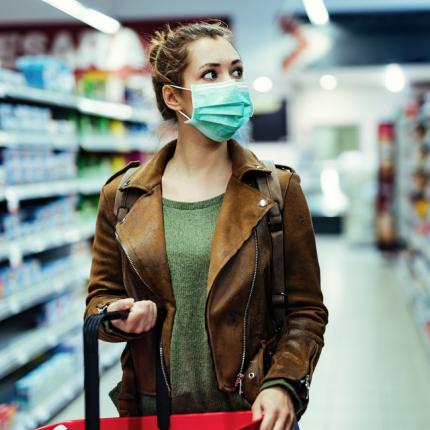 ES brīdina: Koronavīrusa otrais vilnis <strong>var sākties reizē ar ziemas gripas sezonu</strong>