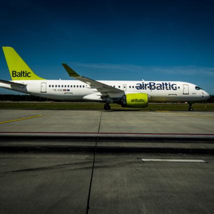 Pirmajā pilnajā darba mēnesī vasarā <em>airBaltic</em> <strong>pārvadājuši 60 000 pasažieru</strong>