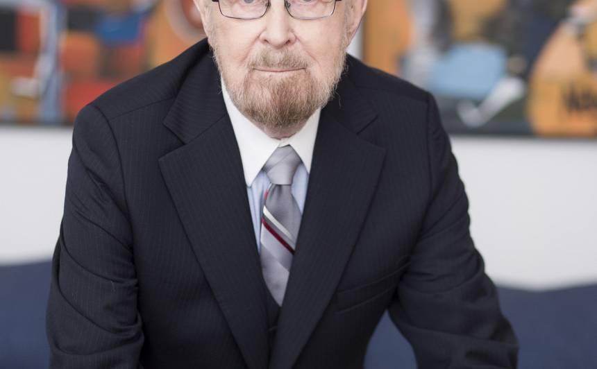 Riharda Zariņa mazdēls matemātikas profesors Aivars Celmiņš