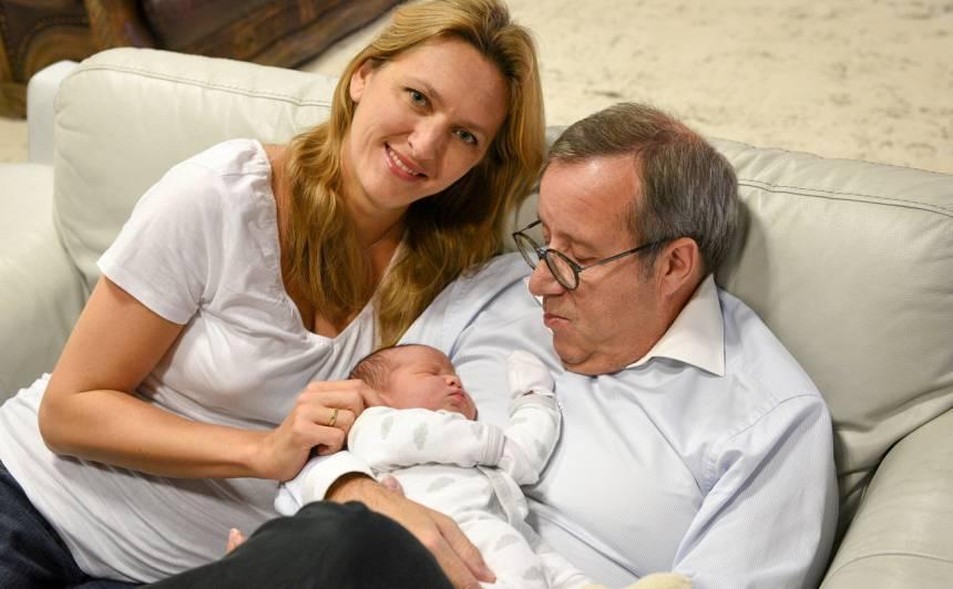 Ieva, Tomass un trīs dienas vecais dēliņš Hanss.