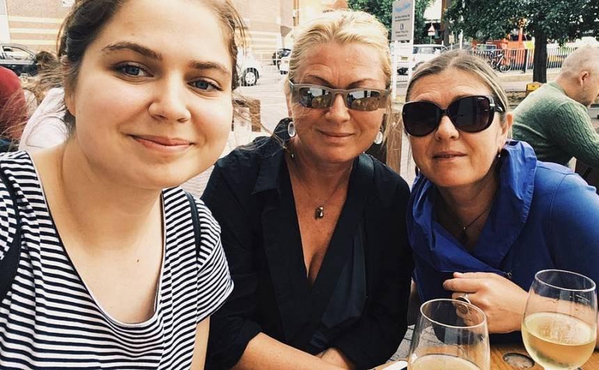 Ar mammu Indru Rubeni-Vilipsoni un krustmāti Noru Ikstenu