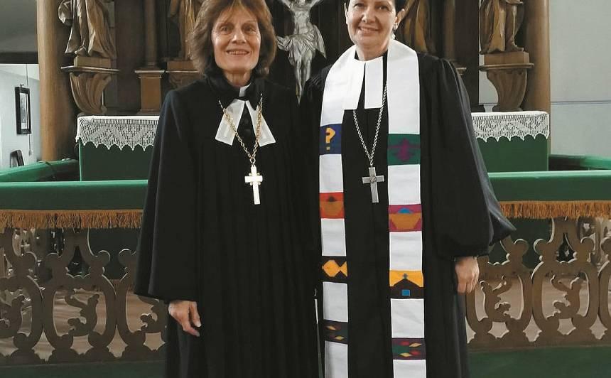 Rudzītes ordinācijas dievkalpojums. Ar arhibīskapi Laumu Zuševicu.