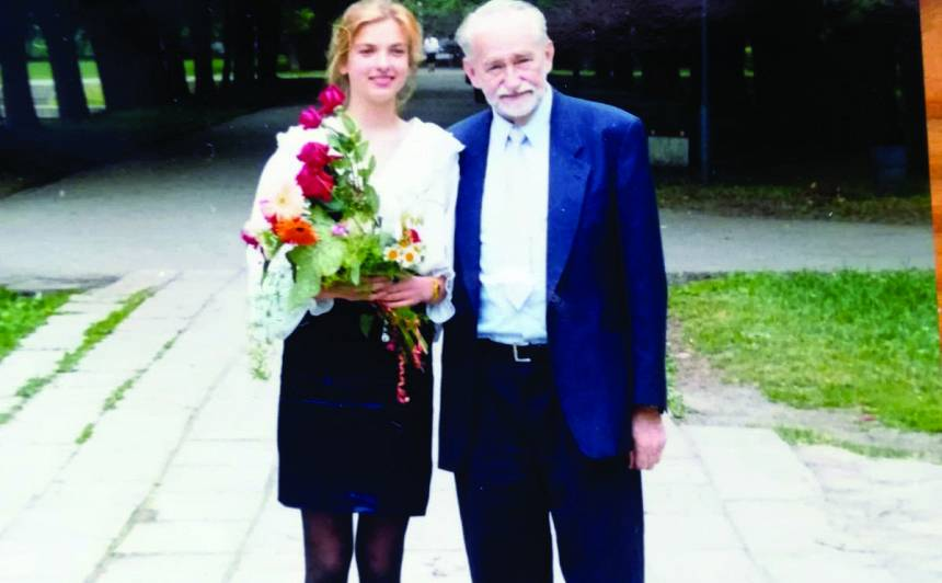 Dagmāra ar vectēvu Juri Soikānu