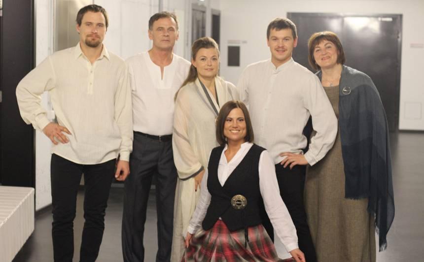 Eriņu ģimene dziedošo ģimeņu šovā