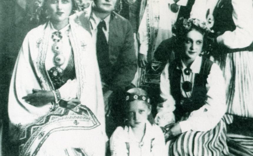 1935. gada iestudējums Nacionālajā teātrī. Antonija - Lilija Štengele