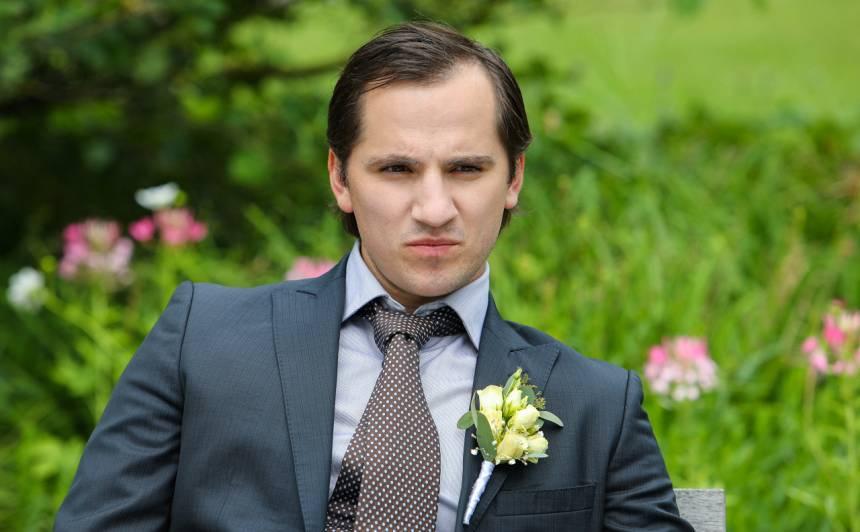 Seriālā Nemīlētie Edijs spēlē jaunu vīrieti, kurš iecerējis vērienīgu laupīšanu. Vai viņam izdosies? Jau no 31. augusta varēsiet sekot viņa varoņa gaitām kanālā TV3.