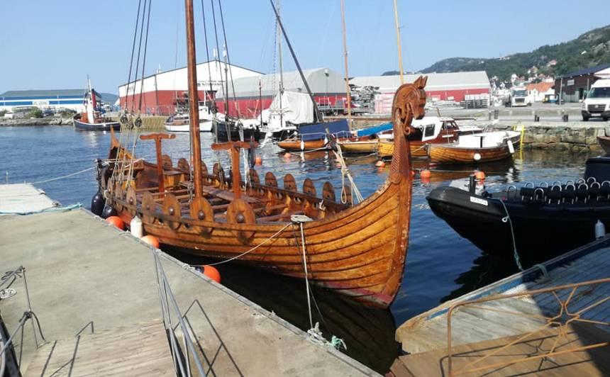 «Vislielāko iespaidu uz mums atstāja Norvēģijas otrā lielākā pilsēta Bergena, kas tiek dēvēta par Norvēģijas dvēseli. Tur mēs bijām divas dienas un centāmies izbaudīt visu, ko vien var. Gan zivju tirgu, gan slaveno Bergenas akvāriju, gan braucienus ar kuģīšiem.»