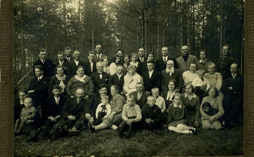 Alfrēda un Mirdzas kāzas 1932. gada Vasarsvētkos.