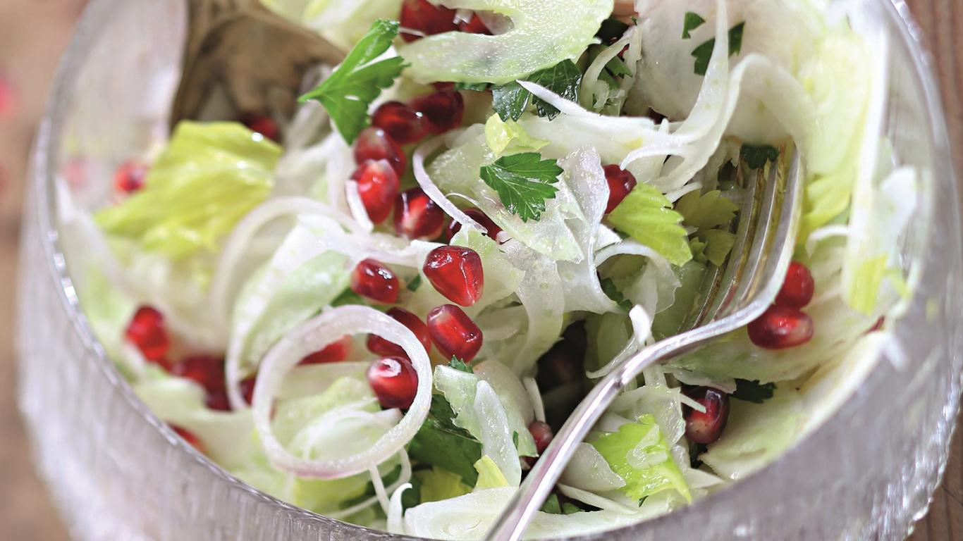 Fenheļa salāti ar granātābolu