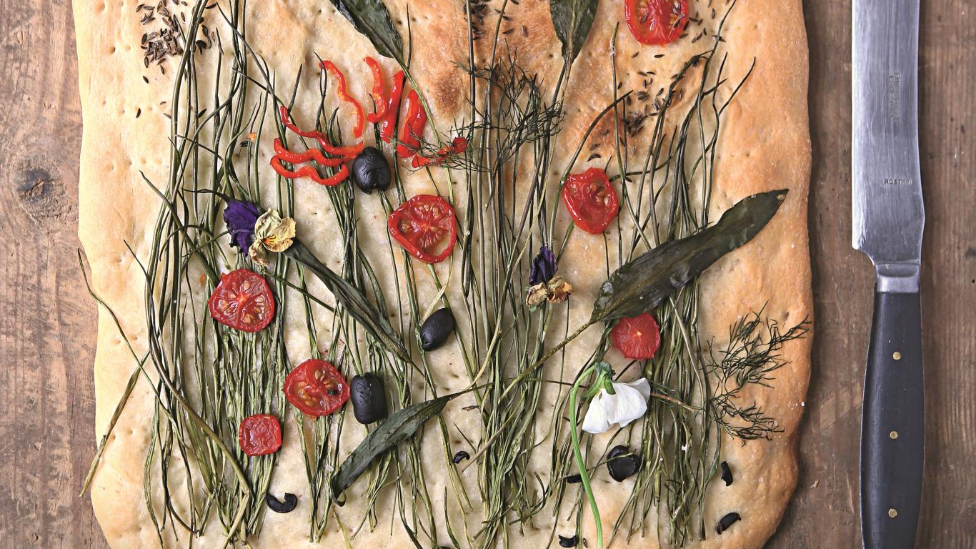 **Ātrā fokača ar pavasara zaļumu pļavu