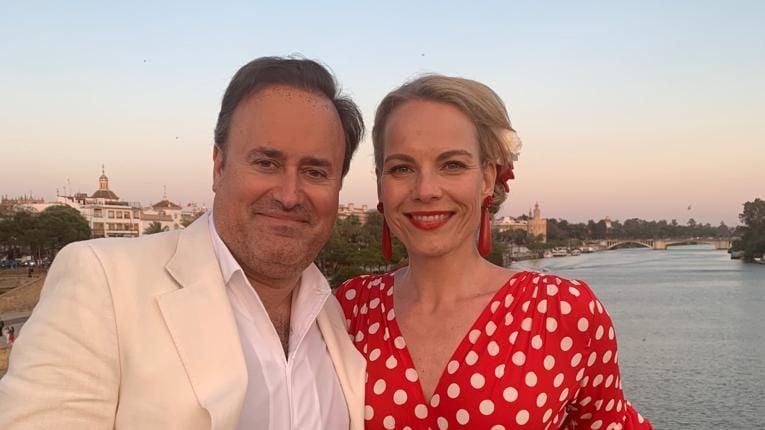 Šogad Elīna un diriģents Karels Marks Šišons svin savu kāzu 15. jubileju, bet 30. aprīlī nozīmīga jubileja bija Elīnas vīram - viņam apritēja 50 gadi.