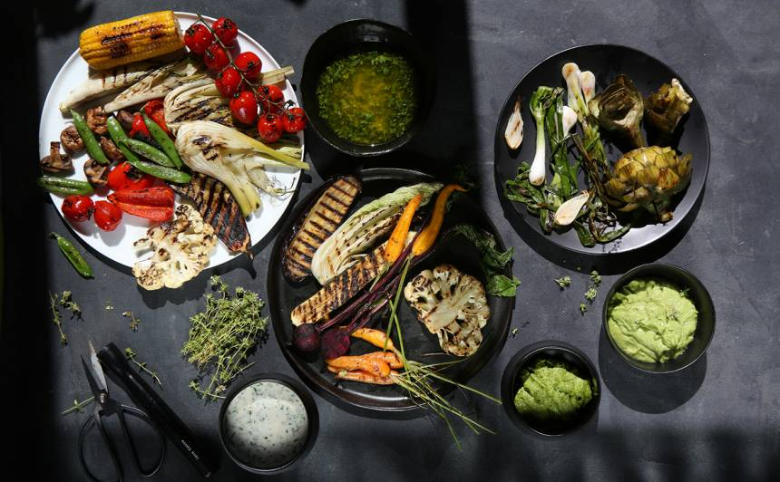 Uz grila gatavoti dārzeņi veselībai nekaitē